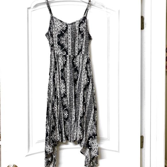 H&M Dresses & Skirts - H&M Black and White Long Maxi Dress